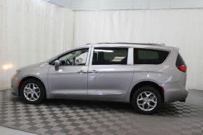 2017 Chrysler Pacifica Wheelchair Van For Sale -- Thumb #38