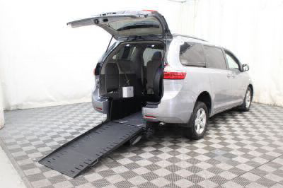 Commercial Wheelchair Vans for Sale - 2017 Toyota Sienna LE ADA Compliant Vehicle VIN: 5TDKZ3DC7HS807712