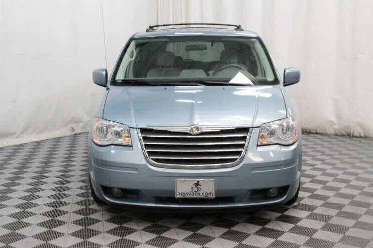 2008 Chrysler Town and Country Touring Wheelchair Van For Sale #9