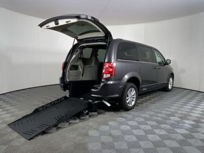 Commercial Wheelchair Vans for Sale - 2019 Dodge Grand Caravan SXT ADA Compliant Vehicle VIN: 2C4RDGCG5KR771088