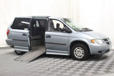 Used Wheelchair Van for Sale - 2006 Dodge Grand Caravan SE Wheelchair Accessible Van VIN: 1D4GP24R26B650303