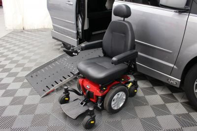 2017 Dodge Grand Caravan Wheelchair Van For Sale -- Thumb #40