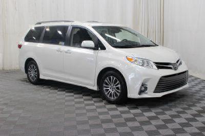 New 2018 Toyota Sienna XLE Wheelchair Van