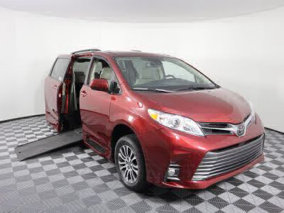 Commercial Wheelchair Vans for Sale - 2018 Toyota Sienna XLE ADA Compliant Vehicle VIN: 5TDYZ3DC8JS946554