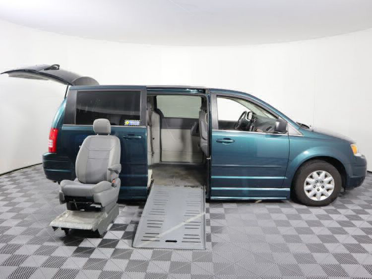 2009 Chrysler Town and Country LX Wheelchair Van For Sale #19