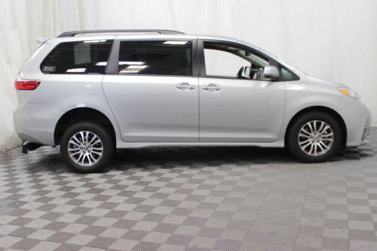 2019 Toyota Sienna XLE Wheelchair Van For Sale #6