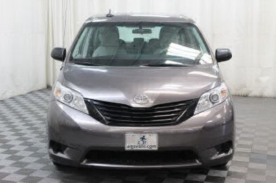 2014 Toyota Sienna Wheelchair Van For Sale -- Thumb #16