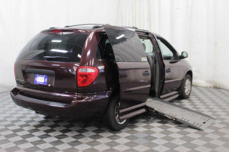2004 Dodge Grand Caravan SE Wheelchair Van For Sale #4