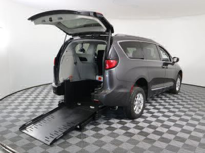Commercial Wheelchair Vans for Sale - 2020 Chrysler Pacifica Touring L ADA Compliant Vehicle VIN: 2C4RC1BG0LR112743