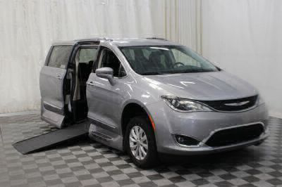 Handicap Van for Sale - 2018 Chrysler Pacifica Touring L Wheelchair Accessible Van VIN: 2C4RC1BG5JR120303