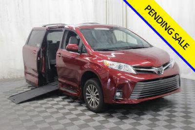 Commercial Wheelchair Vans for Sale - 2019 Toyota Sienna XLE ADA Compliant Vehicle VIN: 5TDYZ3DC8KS989518