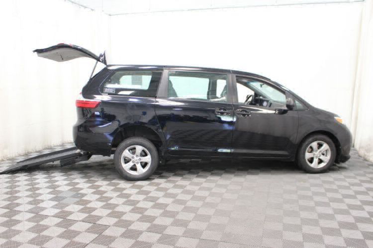 2016 Toyota Sienna L Wheelchair Van For Sale #30