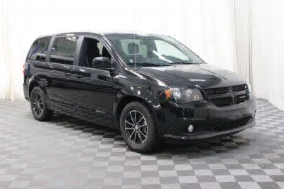 Commercial Wheelchair Vans for Sale - 2018 Dodge Grand Caravan SE Plus ADA Compliant Vehicle VIN: 2C4RDGBG8JR152677