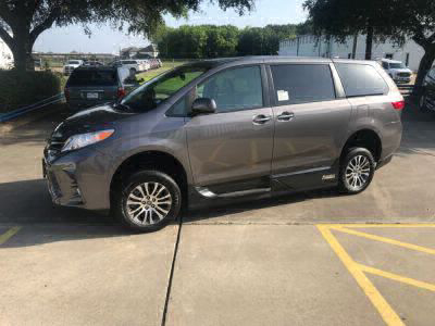 Used Wheelchair Van for Sale - 2019 Toyota Sienna XLE Wheelchair Accessible Van VIN: 5TDYZ3DC3KS010326