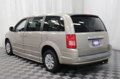 2009 Chrysler Town and Country Wheelchair Van For Sale -- Thumb #32