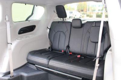 2018 Chrysler Pacifica Wheelchair Van For Sale -- Thumb #17