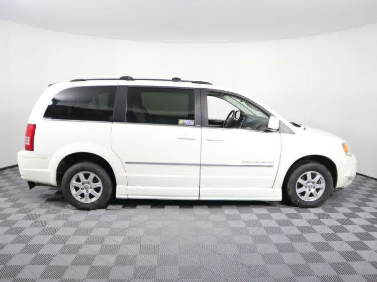 2010 Chrysler Town and Country Touring Wheelchair Van For Sale #22