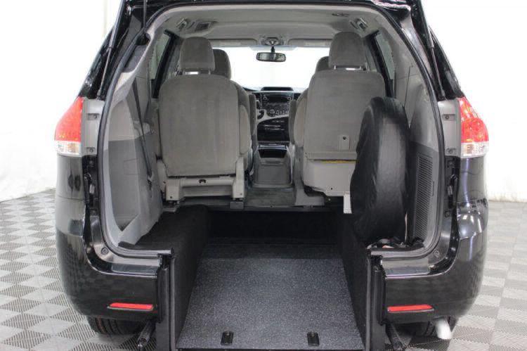 2014 Toyota Sienna LE Wheelchair Van For Sale #33