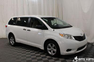 2013 Toyota Sienna Wheelchair Van For Sale -- Thumb #8
