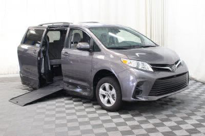 Commercial Wheelchair Vans for Sale - 2018 Toyota Sienna LE ADA Compliant Vehicle VIN: 5TDKZ3DC1JS915037