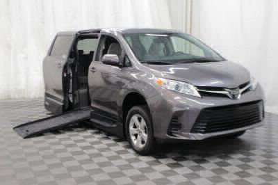 Handicap Van for Sale - 2018 Toyota Sienna LE Wheelchair Accessible Van VIN: 5TDKZ3DC8JS909154