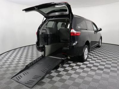 New Wheelchair Van for Sale - 2018 Toyota Sienna LE Wheelchair Accessible Van VIN: 5TDKZ3DC8JS917447