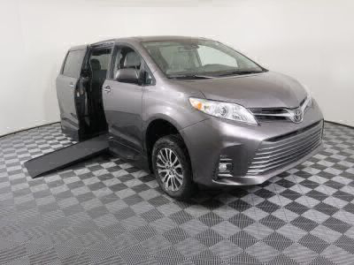 Commercial Wheelchair Vans for Sale - 2020 Toyota Sienna XLE ADA Compliant Vehicle VIN: 5TDYZ3DC7LS023484