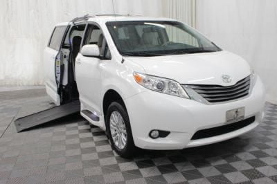 Commercial Wheelchair Vans for Sale - 2014 Toyota Sienna XLE ADA Compliant Vehicle VIN: 5TDYK3DC2ES512978