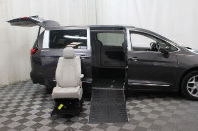 2017 Chrysler Pacifica Wheelchair Van For Sale -- Thumb #13