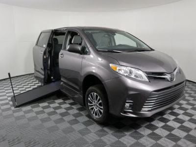 Handicap Van for Sale - 2020 Toyota Sienna XLE Wheelchair Accessible Van VIN: 5TDYZ3DC9LS086442