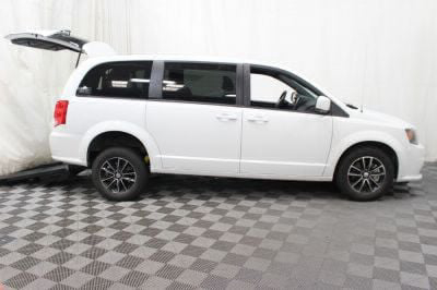 Commercial Wheelchair Vans for Sale - 2018 Dodge Grand Caravan SE Plus ADA Compliant Vehicle VIN: 2C4RDGBG6JR153228