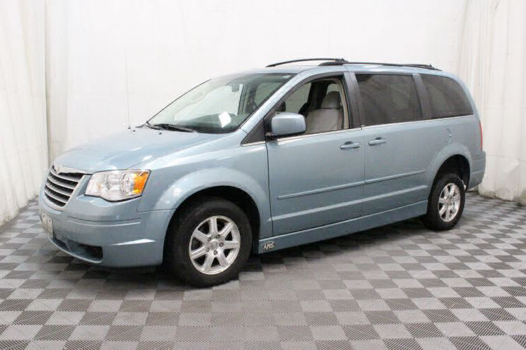 2008 Chrysler Town and Country Touring Wheelchair Van For Sale #8
