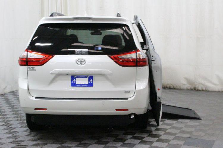 2018 Toyota Sienna XLE Wheelchair Van For Sale #4