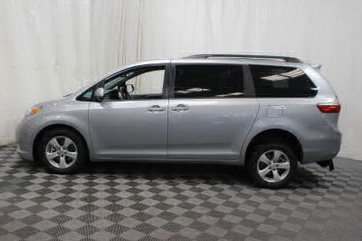 2015 Toyota Sienna Wheelchair Van For Sale -- Thumb #25