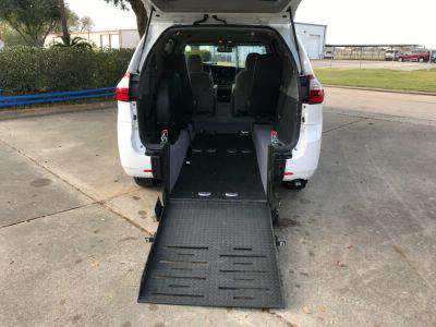 Used Wheelchair Van for Sale - 2017 Toyota Sienna LE Wheelchair Accessible Van VIN: 5TDKZ3DC1HS820956