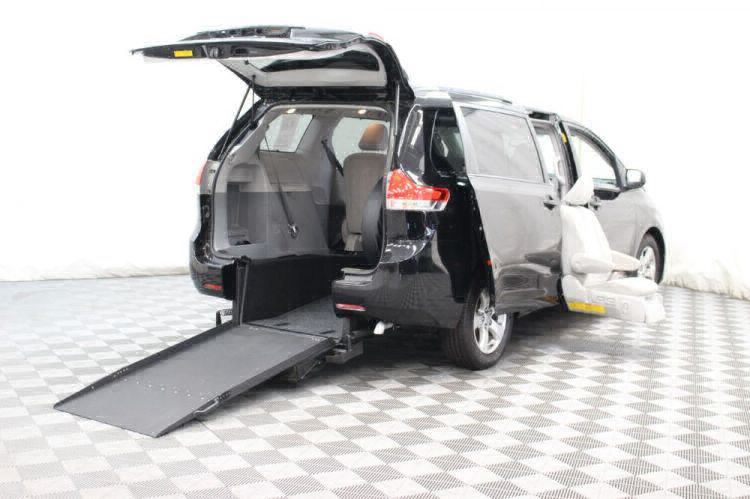 2014 Toyota Sienna LE Wheelchair Van For Sale #42