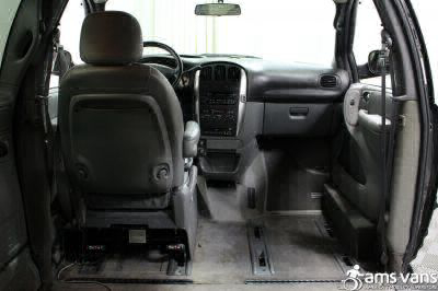 2004 Chrysler Town and Country Wheelchair Van For Sale -- Thumb #8