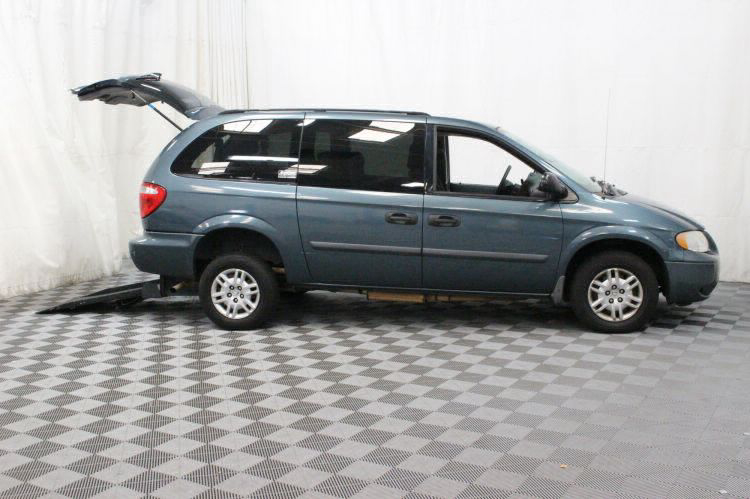 2006 Dodge Grand Caravan SE Wheelchair Van For Sale #2