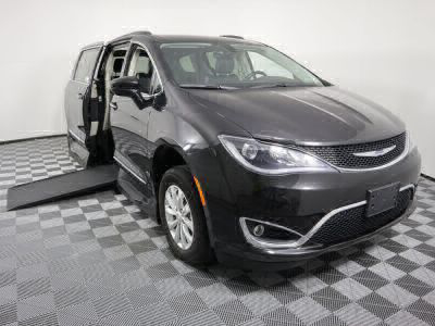 Handicap Van for Sale - 2017 Chrysler Pacifica Touring-L Wheelchair Accessible Van VIN: 2C4RC1BG7HR530420