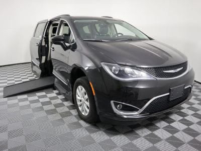 Used Wheelchair Van for Sale - 2017 Chrysler Pacifica Touring-L Wheelchair Accessible Van VIN: 2C4RC1BG7HR530420