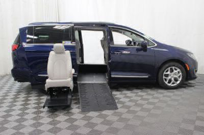2017 Chrysler Pacifica Wheelchair Van For Sale -- Thumb #28