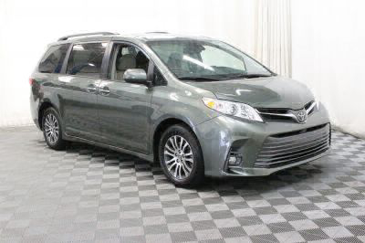 Commercial Wheelchair Vans for Sale - 2018 Toyota Sienna XLE ADA Compliant Vehicle VIN: 5TDYZ3DC2JS942743
