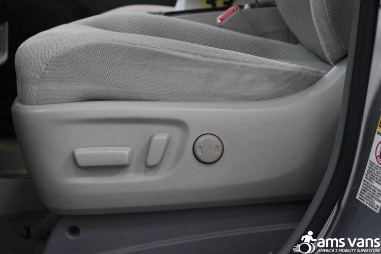 2011 Toyota Sienna LE Wheelchair Van For Sale #18