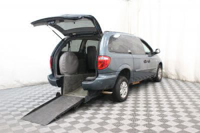 Used Wheelchair Van for Sale - 2006 Dodge Grand Caravan SE Wheelchair Accessible Van VIN: 1D4GP24RX6B578962