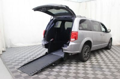 Commercial Wheelchair Vans for Sale - 2019 Dodge Grand Caravan GT ADA Compliant Vehicle VIN: 2C4RDGEG1KR516273