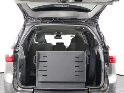 2018 Toyota Sienna Wheelchair Van For Sale -- Thumb #9