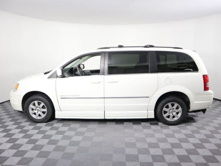 2010 Chrysler Town and Country Touring Wheelchair Van For Sale #27