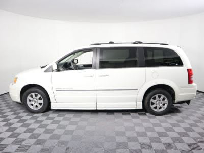 2010 Chrysler Town and Country Wheelchair Van For Sale -- Thumb #27