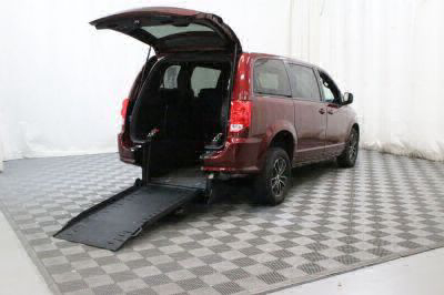Commercial Wheelchair Vans for Sale - 2018 Dodge Grand Caravan SE ADA Compliant Vehicle VIN: 2C4RDGBG1JR198660