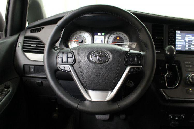 2018 Toyota Sienna SE Wheelchair Van For Sale #19
